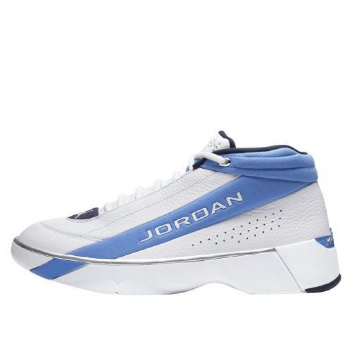 Баскетбольные кроссовки Jordan Team Showcase (CD4150-104)