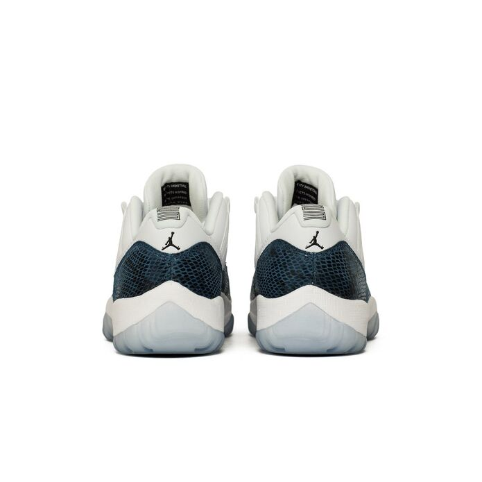 "Баскетбольные кроссовки Air Jordan 11 Retro Low LE ""Navy Snakeskin"" (CD6846-102)"