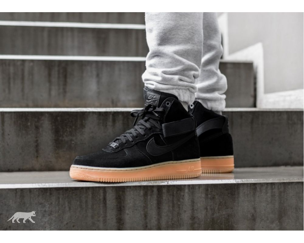 bae8773c 🔥 Купить Nike Air Force 1 High '07 LV8 Suede (AA1118-001) по цене ...