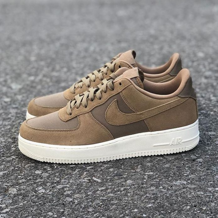 Nike Air Force 1 07 1 (AO2409-200)