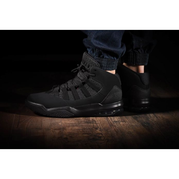Nike Air Jordan Max Aura (AQ9084-001)