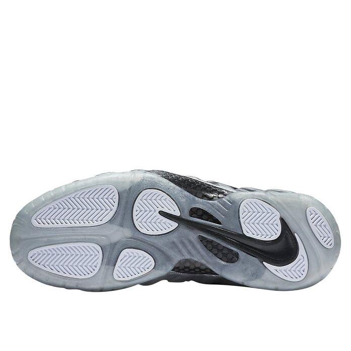 Баскетбольные кроссовки Nike Air Foamposite Pro Silver Surfer