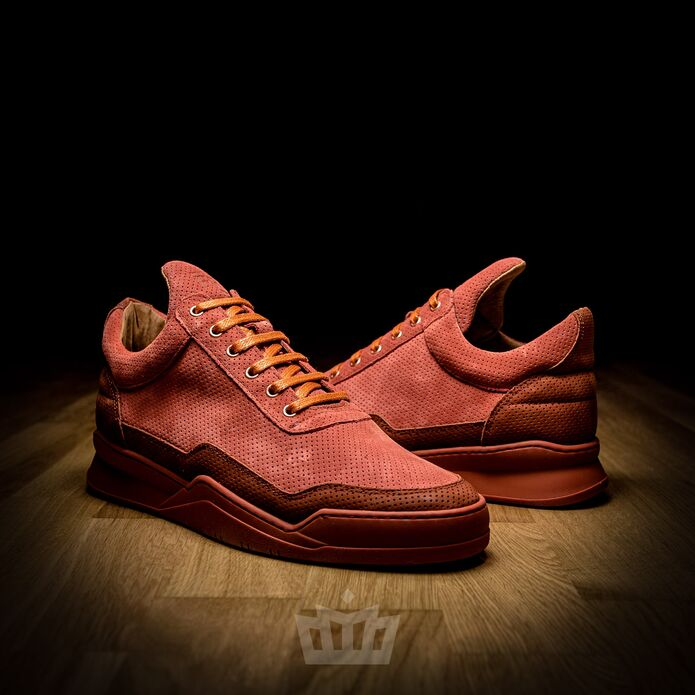 Filling Pieces Low Top Ghost Perforated Red