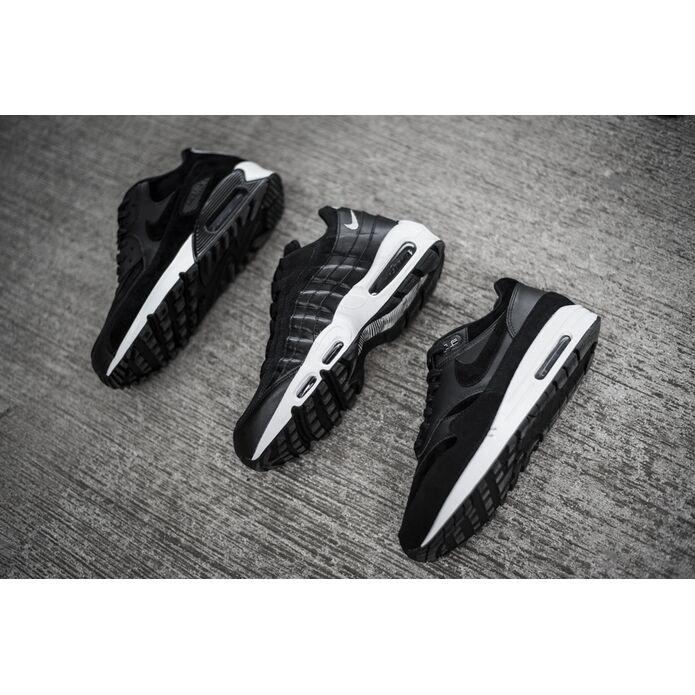 Nike Air Max 1 Premium Rebel Skulls 875844 001