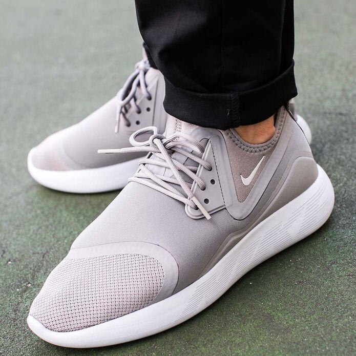 "Nike Lunarcharge Essential ""Dust"""
