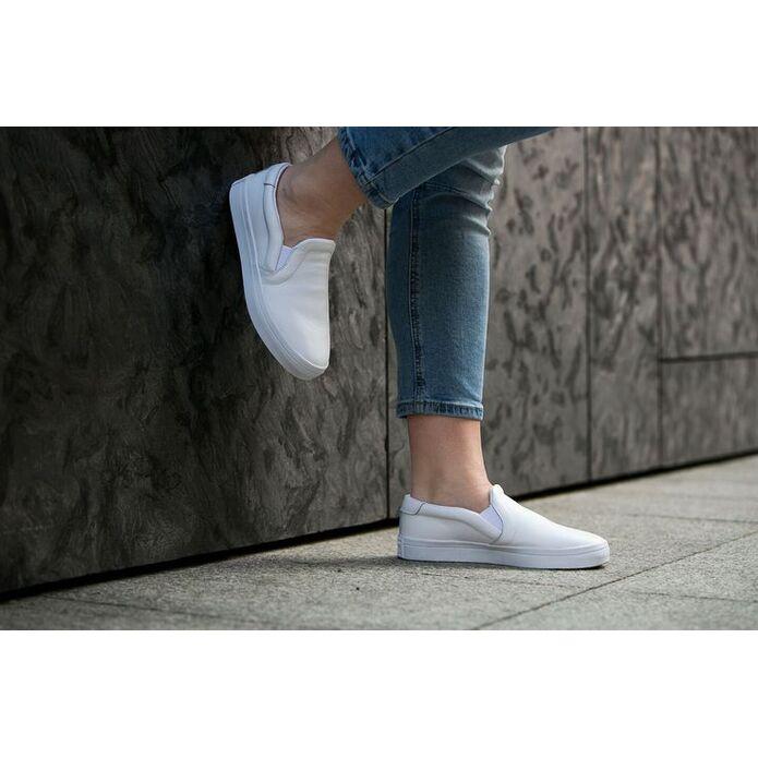 кроссовки Adidas Court Vantage Slip-On